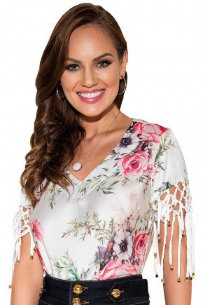 blusa branca estampa floral decote v amarracoes na manga titanium viaevangelica frente fileminimizer