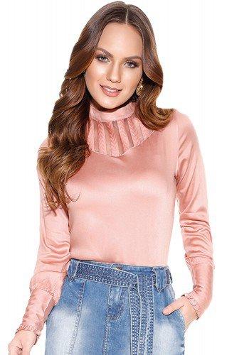 blusa rosa quartzo cetim gola alta titanium frente