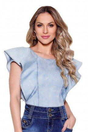 modelo cabelo loiro ondulado blusa babado manga