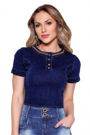 modelo de cabelo loira cropped jeans gola alta