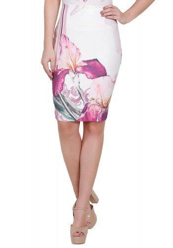 modelo saia floral roxa frente titanium