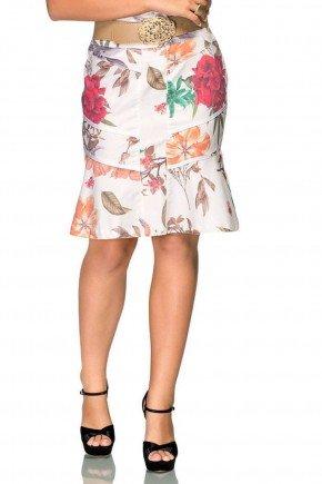 modelo cabelo castanho saia em sarja off white com floral e recortes frente