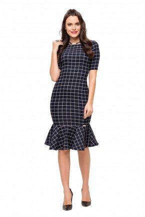 modelo cabelo castanho vestido preto sino xadrez midi laura rosa frente lr89136