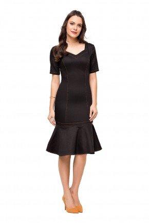 modelo cabelo castanho vestido preto sino com recortes laura rosa frente lr89134