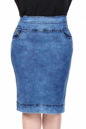 modelo cabelo loiro saia jeans plus size detalhe ziper no bolso dyork frente baixo dk4396