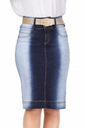 modelo cabelo loiro saia jeans cintura alta lavagem especial dyork frente baixo dk4406
