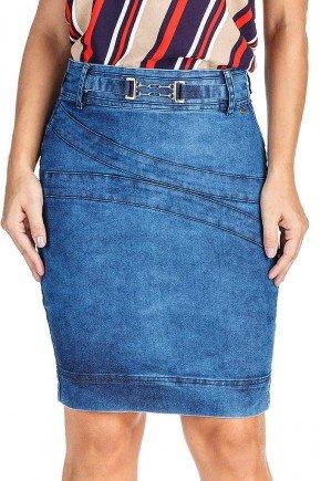 modelo cabelo loiro saia jeans detalhe recortes frente baixo