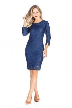 modelo cabelo loiro vestido azul marinho detalhes trancados frente