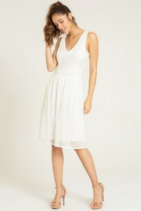 vestido off white de renda frente