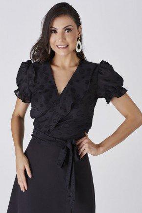 blusa preta transpassada com babados