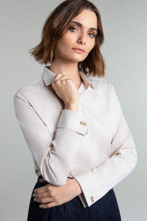 camisa bege com abotoadura lucy frente
