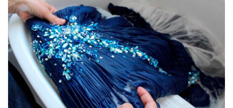 5 passos de como lavar o vestido de festa em casa
