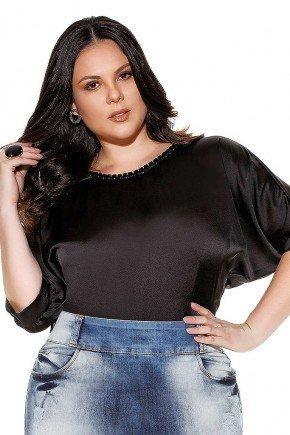 blusa preta pedrarias na gola imperio jeans frente cima