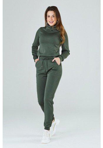 conjunto verde militar com bolsos maira cloa frente