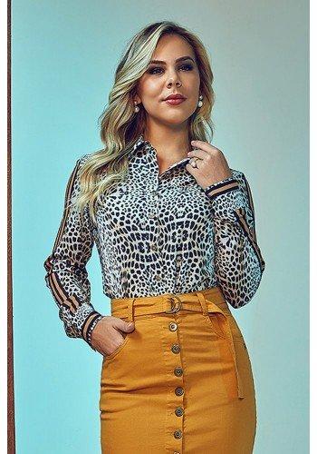 camisa feminina animal print com listras via tolentino frente