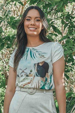 t shirt maria estampada com franzidos nas mangas jany pim frente cima