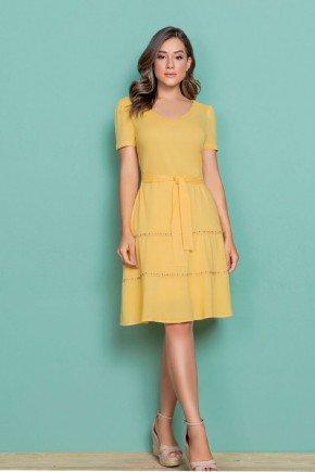 vestido amarelo duas marias com cinto nitido jeans