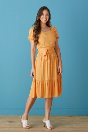 vestido laranja tecido pipoquinha com babados tata martello