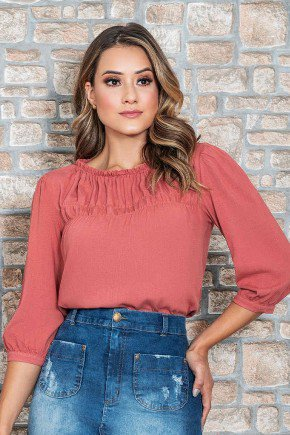 blusa rose manga 3 4 detalhe em lastex nitido jeans cima