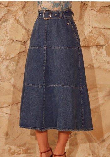 saia jeans evase com recortes e cinto via tolentino