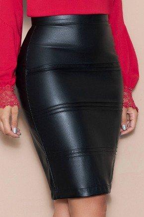 saia preta em couro fake com nervuras nitido jeans baixo