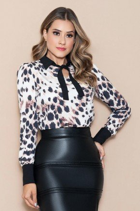 blusa estampa exclusiva animal print nitido jeans cima