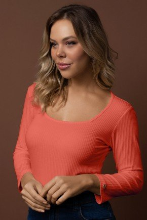 blusa laranja canelada decote quadrado manga 34 via tolentino