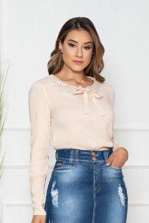 blusa manga longa gola de guippir com perolas nitido jeans cima