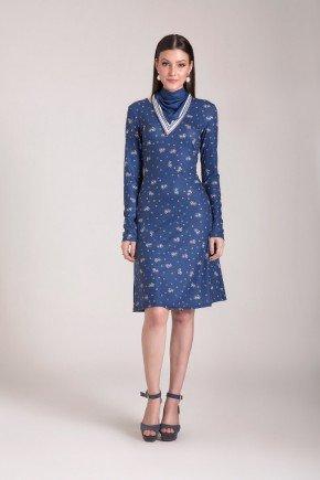 vestido evase malha azul estampado acompanha lenco laura rosa