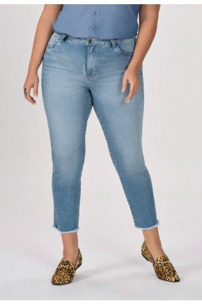 calca jeans plus size com barra desfiada elfi