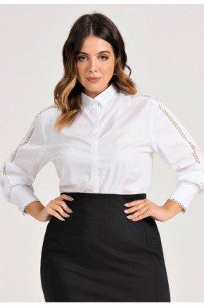 camisa branca plus size detalhes em renda brendha frente