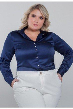 camisa plus size de cetim azul marinho jussara