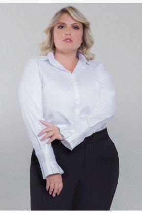 camisa plus size branca com pregas camile