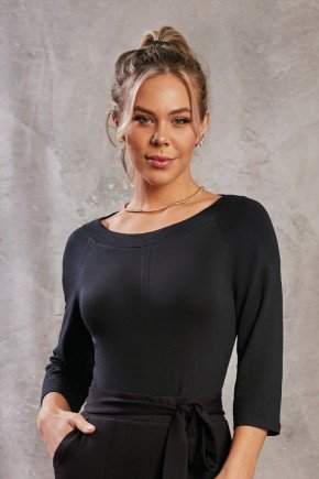 blusa feminina preta decote canoa via tolentino 4