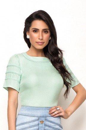 blusa verde claro detalhe aviamentos laura rosa cima