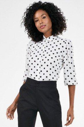 camisa off white estampa de poa preta rosa