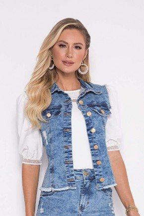 colete jeans sustentavel com puidos e desfiados laura rosa